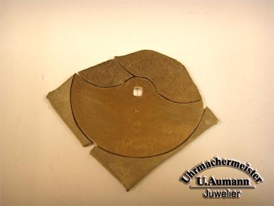 Aus der vollen Goldplatte gesägter Rohrotor