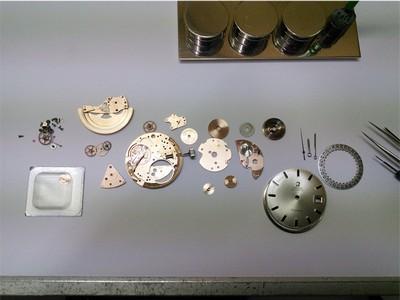 Omega Armbanduhr Demontiert