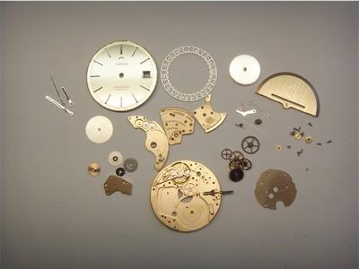 Omega Automatik Armbanduhr zerlegt