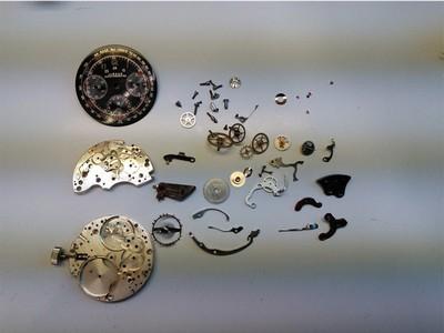 mechanischer-Vintage-Chronograph-Jardur-komplett-zerlegt