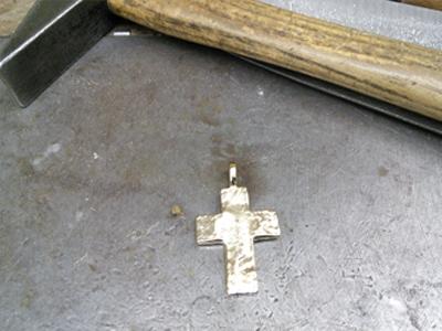 Unikat Kreuz 10